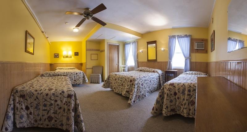 Gray Ghost Inn Room 215