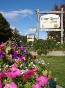Gray Ghost Inn flowers