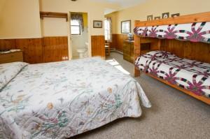 Queen Room With Bunk Beds Room 211