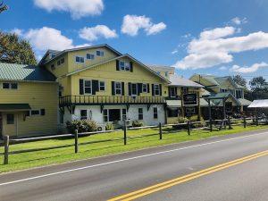 Gray Ghost Inn Exterior
