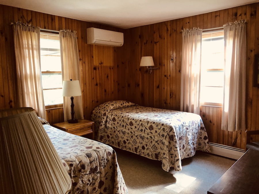 Gray Ghost Inn Room 104