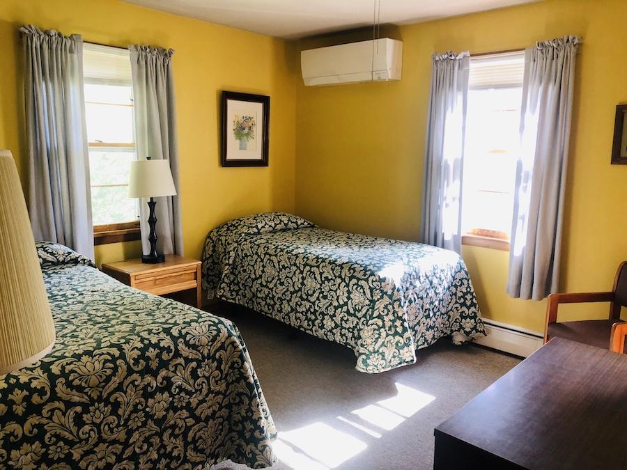 Gray Ghost Inn Room 201
