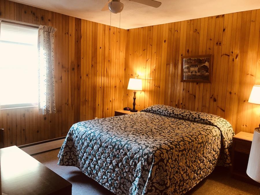 Gray Ghost Inn Room 203