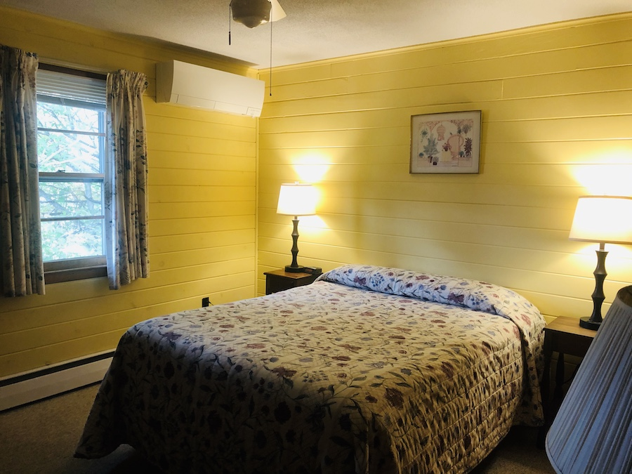 Gray Ghost Inn Room 204