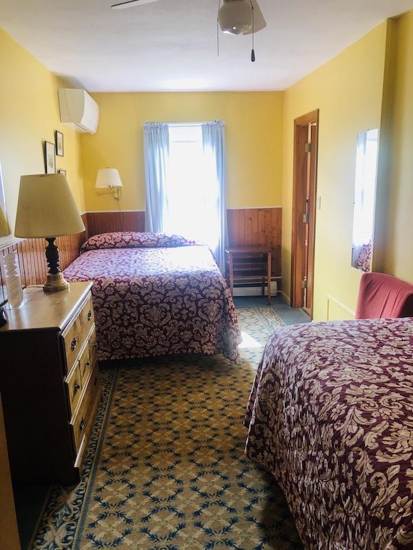 Gray Ghost Inn Room 209